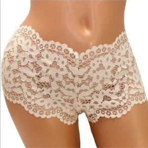 New Victoria's Secret Shortie panty Small NWT